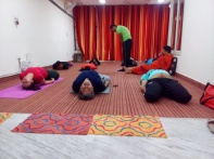 Aashish Shukla taking a yoga session