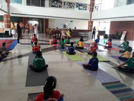 Yogi BuddhaDeva addressing students and teachers of Delhi Public School, Zirakpur